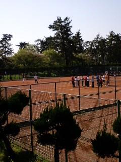 大阪で14歳のテニスプロ 辻佳奈美 誕生