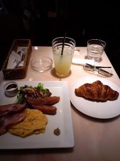 ルフランで朝食