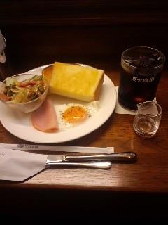 阪急服部駅前「珈琲館」にて